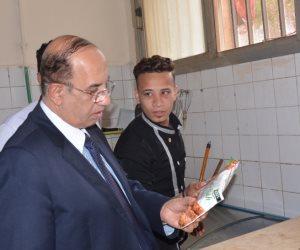 رئيس جامعة أسيوط يتفقد كافيهات الحرم الجامعي ( صور )