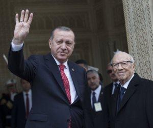 """""""الضيف الثقيل"""" يرفع إشارة رابعة.. أردوغان غير مرحب به في تونس"""