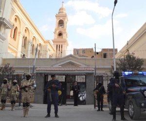 انتشار أمني مكثف أمام كنائس المنيا استعدادا لعيد الميلاد
