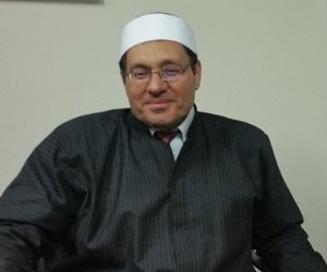 الشيخ مصطفي راشد يرد على السلفيين: الاحتفال بأعياد الكريسماس حلال شرعا