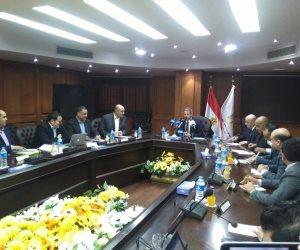 """وزير الرياضة يرد على طلب اتحاد اليد شراء ملابس مستوردة للمنتخب: """"هنلبس مصري"""""""