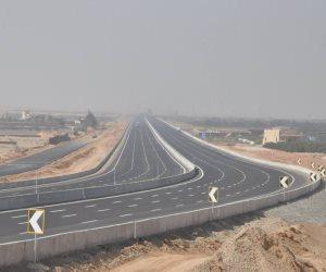المرور يغلق بعض الطرق الصحراوية بسبب الرياح وانعدام الرؤية