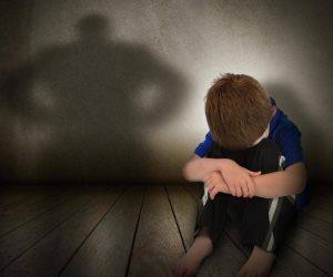 أمن الدقهلية يضبط المتهمين بإستدراج طفل والتعدي عليه جسدياً وتصويره علي الفيسبوك
