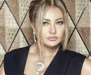 """في عيد ميلادها الـ55.. ليلى علوي """"بونبوناية"""" السينما المصرية"""