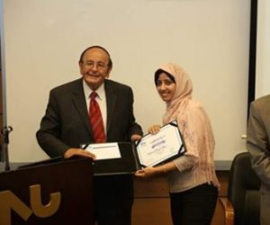 بحضور عمرو موسي.. جامعة النيل تكرم الزميلة مروة حسونة  (صور)