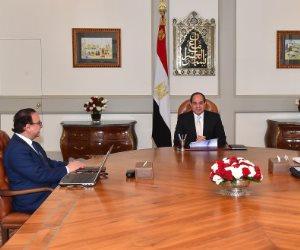 الرئيس السيسي يجتمع مع وزير الاتصالات بحضور رئيس هيئة الرقابة الإدارية
