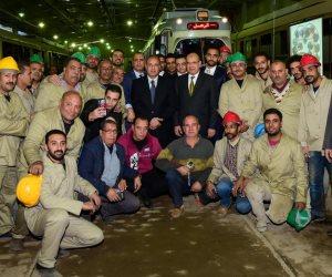 محافظ الاسكندرية يتفقد عربة الترام السياحي بعد إعادة تأهيلها  (صور)