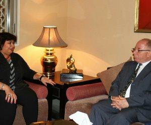 إيناس عبد الدايم تكرم وزير الثقافة السابق