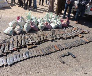 الداخلية تكشف تفاصيل مصرع تاجر سلاح في اشتباكات مع الأمن بعد مطاردة عبر الحدود