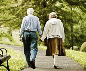 مرة في الأسبوعين كفاية.. دليلك لحياة زوجية سعيدة عند الـ70