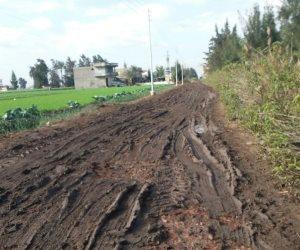 أهالي البدراوي بكفر الشيخ يتضررون من تقاعس وزارة الزراعة في حماية الأراضي (فيديو)