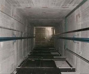 إصابة 4 أشخاص سقط بهم مصعد كهربائي أثناء صيانته بمصنع ألبان بجمصه