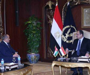 اتفاق مصري أردني على تبادل المعلومات.. تفاصيل لقاء وزير الداخلية وسفير المملكة بالقا