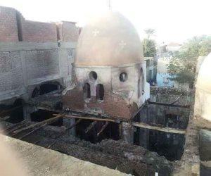 أقباط ومسلمون شاركوا بإخماده.. تفاصيل حريق كنيسة العذراء مريم بالمنيا (صور)