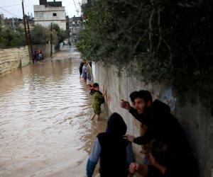 طقس سيء بعدد من المحافظات: إغلاق بوغاز رشيد.. وطوارئ في الإسكندرية والغربية