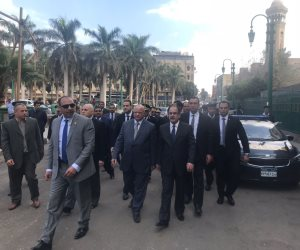 انطلاقا من المشهد الحسيني.. وزير الداخلية في جولة حرة بالقاهرة والجيزة (تحديث)