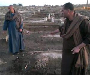 """جثث عائمة بمقابر """"الكلح"""" في إدفو.. ومحافظ أسوان يتجاهل شكوى الأهالي (فيديو)"""