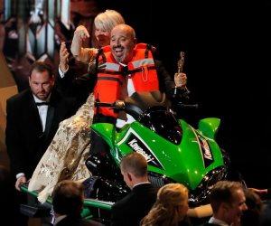 """""""جيت سكي"""" جائزة لأقصر خطاب على مسرح الأوسكار 2018 (صور)"""
