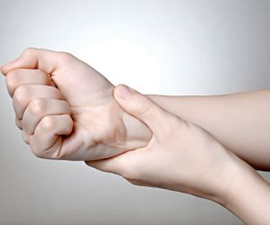 نصائح هامة تخفيف الألم لمصابي التهاب الأعصاب الروماتويدي