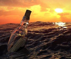 بعد 132 عاما.. العثور على أقدم رسالة داخل زجاجة بشاطئ فى أستراليا