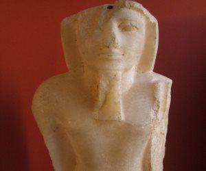 """عمود """"مرنبتاح"""".. قاهر إسرائيل في طريقه للمتحف الكبير خلال ساعات"""
