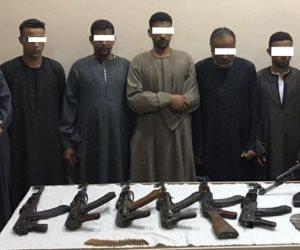 الأمن العام يداهم 3 بؤر إجرامية في أسيوط.. ويضبط 8 قطع سلاح آلي