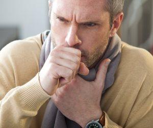 أعراض الإلتهاب الرئوي بدون حمى.. تعرف عليها