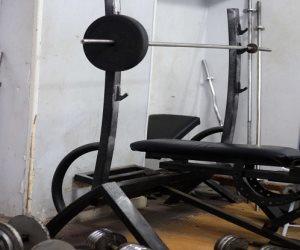 """كواليس تصنيع الأجهزة الرياضية بمصانع """"بير السلم"""".. غير مطابقة للمواصفات وتسبب الأمراض"""