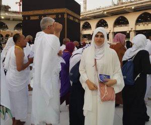 """رانيا زوجة ماجد المصرى تؤدى مناسك عمرة رجب.. والمتابعين """"ماشاء الله قمر بالحجاب"""""""