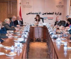 وزيرة التضامن تناقش الاستعدادت النهائية لنقل سكان المناطق غير الآمنة