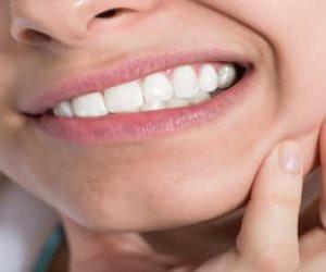 علاجات طبيعية لعلاج تسوس الأسنان.. وتجنب عوامل الخطر على الفم