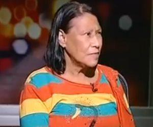 """مواطنة بعد عودتها لمصر عقب غياب 30 عاما: """"ربنا يخليلنا الرئيس وتحيا مصر"""" (فيديو)"""