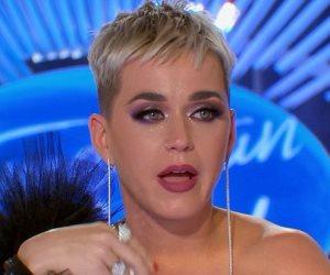 تفاصيل بكاء وسقوط كاتي بيرى في برنامج American Idol (صور وفيديو)