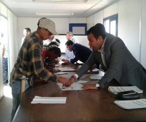 """بدء تسليم شهادات """"أمان"""" للعمالة المؤقتة والموسمية بالمدن الجديدة وشركات المياه الشرب(صور)"""