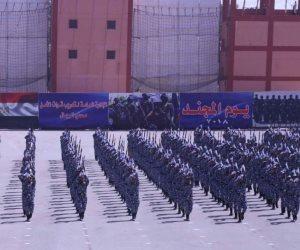 عروض قتالية أمام وزير الداخلية في إحتفال يوم المجند (صور)