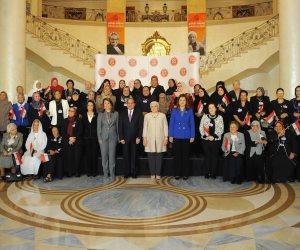 الرئيس السيسي: المرأة المصرية ضربت المثل في التضحية.. والإصرار على تحقيق ذاتها