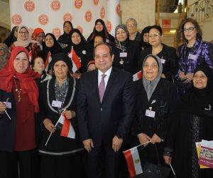 رسائل السيسي للمرأة المصرية في عيد الأم (صور)