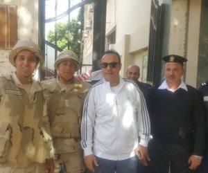 طارق يحيى يدلى بصوته فى الانتخابات الرئاسية (صور)