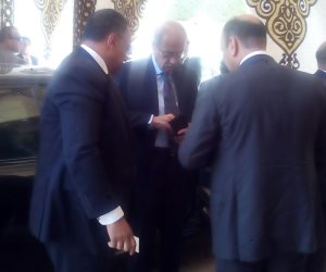 عبر «الفيديوكونفرانس».. رئيس الوزراء يتابع مع المحافظين سير الانتخابات الرئاسية