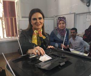 سحر نصر بعد الإدلاء بصوتها: المشاركة فى الانتخابات استكمالا لمسيرة بناء الدولة (صور)