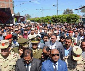 محافظ الغربية ومدير الأمن يتقدمان جنازة الشهيد محمد مرسي (صور)