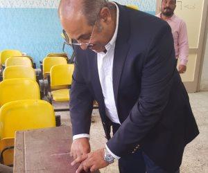 هشام حطب يدلى بصوته في الانتخابات الرئاسية (صور)