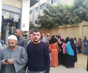 كثافات انتخابية أمام لجان بلبيس في الشرقية (صور)