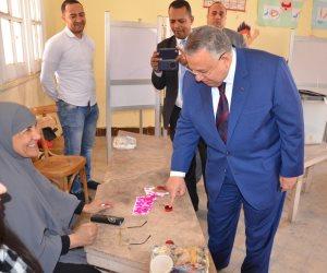 وكيل مجلس النواب يدلى بصوته في الانتخابات الرئاسية (صورة)