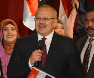 طلاب جامعة القاهرة ينظمون إحتفالية «لقاء في حب مصر» بحضور الخشت (صور)