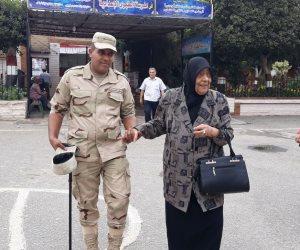 إقبال متزايد على التصويت ومظاهر احتفالية أمام اللجان بمصر الجديدة (صور)