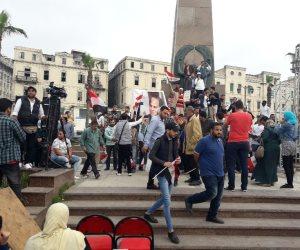 توافد المواطنين بمحطة الرمل للاحتفال بفوز السيسي لرئاسة الجمهورية لمرة ثانية