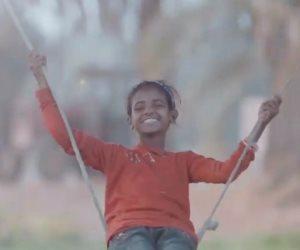 عيدة.. راعية الغنم التي حاربت الظروف من أجل التعليم (صور)