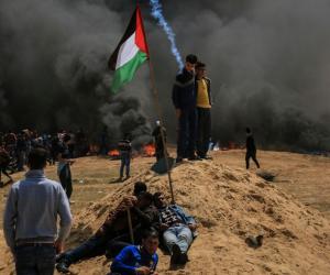 مواجهات بين الاحتلال والفلسطينيين في الجمعة الثالثة لمسيرات العودة