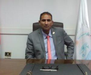 رئيس جامعة أسوان يهنىء الأقباط بعيد القيامة المجيد